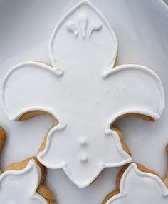 I heart fleur-de-lis cookies