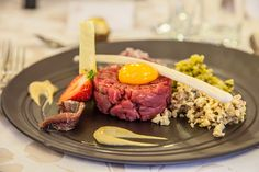 Tatar wołowy // Beef tartar