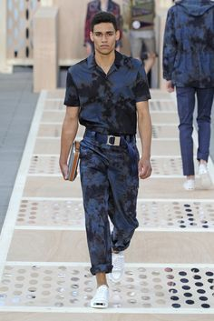 Luxe tye dye. Louis Vuitton Men's RTW Spring 2014