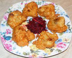 Conopida pane cu salata de sfecla rosie si hrean Vegan, Chicken, Food, Salads, Essen, Meals, Vegans, Yemek, Eten