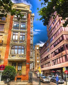 #BuenosDias Un paseo por  #zaragoza  Sagasta con Zumalacarregi Resaltando el #color #iphone7Plus  #architecture  #street  #urban #streetphotography  #beautiful #love #amazing  #photooftheday #instagood  #unpaseounafoto #instazaragoza #zgzciudadana #todoclick  #asi_es_aragon #igersaragon #igerespaña #igersspain #igersgallery  #hdr #hdriphoneographer #hdrstyles #hdrphotography #hdr_gallery #hdr_love  #ig_hdr_dreams #hdr_lovers