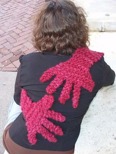 For when I need a hug!  Ravelry: Hug pattern by Sarah Pasternak