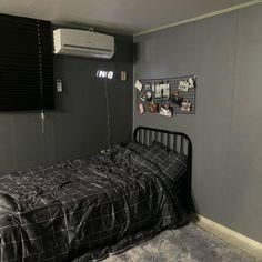 Room Design Bedroom, Home Room Design, Room Ideas Bedroom, Small Room Bedroom, Bedroom Decor, Decor Room, Hypebeast Room, Aesthetic Room Decor, Minimalist Room
