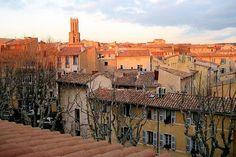 Ville d'eau et ville d'art, Aix en Provence symbolise la douceur de vivre à la provençale