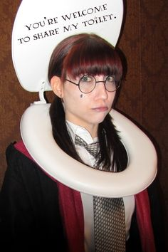 MOANING MYRTLE FROM HARRY POTTER Adaptable for Wheelchair or walker Halloween Costume, and if needed you can create a larger toilet seat with cardboard! Perfect for the Potter fan. Hallowen Costume, Cosplay Costume, Halloween Cosplay, Cool Costumes, Costume Ideas, Halloween Costumes Glasses, Epic Cosplay, Costumes Kids, Awesome Cosplay