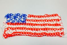 Make an American Flag using your Bandaloom. #crafts #loom