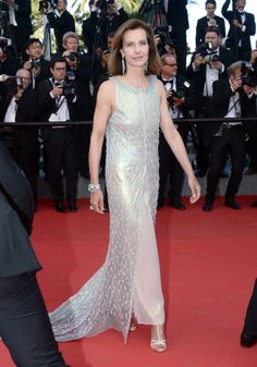 Carole Bouquet en robe Chanel S14 HC (Look 61) a Festival de Cannes 2014 e3617b1d4bb8