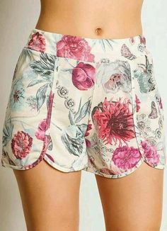 Shorts with an overlap ( patterns + life hacks + inspiration ideas) 18 pictures. Short Outfits, Cool Outfits, Summer Outfits, Short Dresses, Floral Shorts, Boho Shorts, Casual Shorts, Jean Shorts, Tokyo Street Fashion