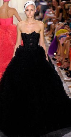 Giambattista Valli Fall 2011 Couture- reminds me of my prom dress