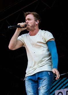 Cody Carson of Set It Off performs at the Vans Warped Tour at White River Amphitheatre on August 12 2016 in Auburn Washington