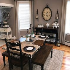 Warm Dining Room, Country Dining Rooms, Dining Room Paint Colors, Room Wall Colors, Cozy House, Interior Design Living Room, Room Decor, Decorating Ideas, Decor Ideas