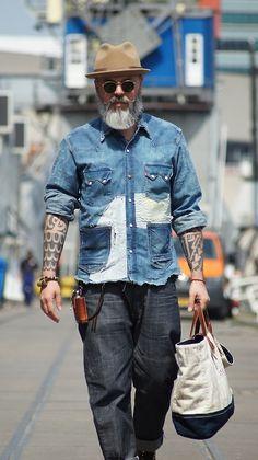 Rugged denim shirt with pockets old man fashion, fashion looks, denim fashion, style Rugged Style, Old Man Style, Older Style, Old Man Fashion, Denim Fashion, Fashion Looks, Fashion Fashion, Fashion Gallery, Gilet Jeans