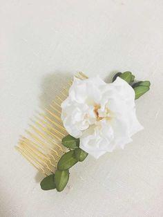Peigne Rose blanche vraie fleur stabilisée : Accessoires coiffure par asami-fleur