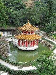 Tout est vert à Taipei, des parcs ici et là en ville, mais surtout des forêts à perte de vue en périphérie de la métropole.