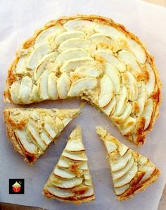 Apple Frangipane. This is a really nice coffee time cake to make. Goes great with a nice cuppa! Or you can have as a dessert, warm or cold with a squirt of whipped cream or like me, a blob of vanilla ice cream! It's really yummy! Delicious! | Lovefoodies.com