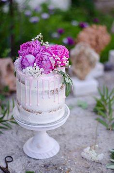 O aniversário da minha mãe coincidiu com o Dia da Mãe e este foi o bolo que fiz para celebrar. Lembram-se do último bolo de cereja e...