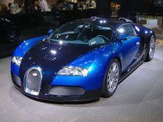 #bugatti veyron, big blue auto muscles .. love it :)