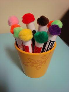 Ajouter une petite efface aux bouts des crayons pour tableau blanc