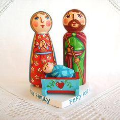 Holy Family Christmas painted wooden nativity set scene creche crib decoration baby Jesus Christ Saint Joseph Mother Mary peg doll figurine