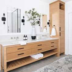 45 Hanging Bathroom Storage Ideas for Maximizing Your Bathroom Space - The Trending House Bathroom Renos, Bathroom Renovations, Small Bathroom, Wood Bathroom Cabinets, Bathroom Goals, Downstairs Bathroom, Bathroom Layout, Washroom, Bad Inspiration