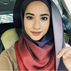 Hellos there! @zaracouture take on our rounded inner Twilight 2.0. The happiest people don't need to have the best of everything, they MAKE the best out of everything. #scarf #shawl #styleinspiration #fashion #hijab #hijabfashion #modest #islamicfashion #ootdhijab #ootd