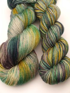 Hand Dyed Fingering/Sock Yarn, 75/25 Superwash Merino/Nylon, Crocus in the Sky