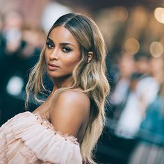 Essence Fest headliner, Ciara is infamous for her effortless beauty looks, sun kissed hair and model-worthy bone structure.   essence.com