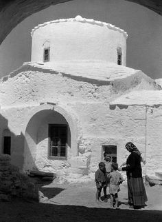 ΣΚΥΡΟΣ 1935 ΦΩΤΟΓΡΑΦΙΑ Max Ehlert Old Photos, Vintage Photos, Greece History, World Cultures, Mount Rushmore, Travel Inspiration, Past, Places To Go, Around The Worlds