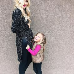 Children and Young Baby Bump Style, Mommy Style, Maternity Wear, Maternity Fashion, Maternity Style, Pregnant Outfit, Baby Belly, Toddler Fashion, Maternity Photography