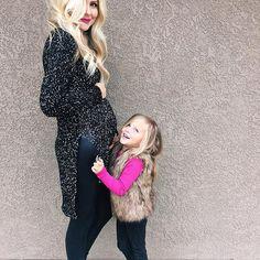 Preggo pregnant bump maternity style fashion mom life #momlife kid toddler fashion www.Ellabrooksblog.com