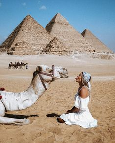 أهرامات الجيزة the Great Pyramids- Giza, Egypt with Hayley Andersen Egypt Travel, Travel Europe, Photos Voyages, Cairo Egypt, Egypt Art, Beautiful Places To Travel, Travel Aesthetic, Adventure Is Out There, Travel Goals