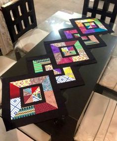(2) Одноклассники Quilted Table Runners Christmas, Patchwork Table Runner, Table Runner And Placemats, Table Runner Pattern, Diy Crafts For Adults, Fun Diy Crafts, Plus Forte Table Matelassés, African Home Decor, Diy Rustic Decor