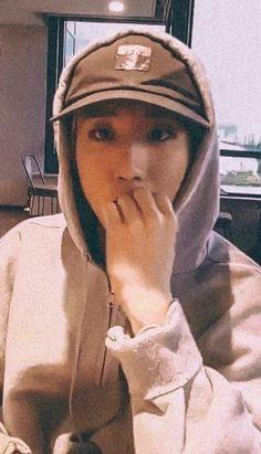 Incheon, Stray Kids Seungmin, Baby Squirrel, Best Rapper, Lee Know, Kpop Aesthetic, K Idols, Boyfriend Material, South Korean Boy Band