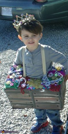 Yvone: This is my son Drexel he was a treasure chest for halloween this year. He loved making with me just as much as he love wearing it!.