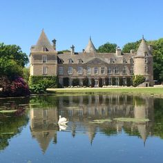 Vacation Home Rentals, Vacation Villas, Mansions For Rent, Region Normandie, Destinations, Inexpensive Wedding Venues, World View, French Chateau, Medieval Castle