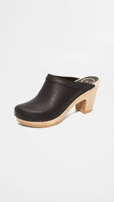 dansko ema work shoe for standing all day