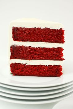 Red Velvet Cake with White Chocolate Cream Cheese Frosting | Cake Paper Party