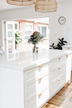 Home Decor Kitchen, Interior Design Kitchen, Home Kitchens, Kitchen Ideas, Interior Modern, Modern Luxury, Küchen Design, House Design, Apartment Decoration