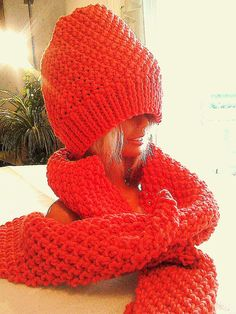 Roter Schal und Mütze im Set Knitted Hats, Winter Hats, Knitting, Image, Fashion, Accessories, Red Color, Colors, Red Shawl