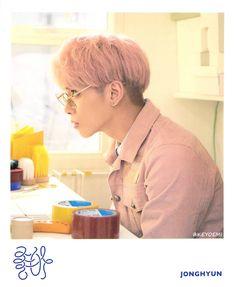 [HQ SCAN] New #Jonghyun 'She Is' polaroid set