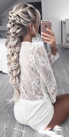 The Geode hair coloring is beautiful hair trends. There are so many hair trends and the hair color ideas. More color means more beauty. Beautiful Braids, Gorgeous Hair, Amazing Braids, Pretty Hairstyles, Hairstyle Ideas, Braid Hairstyles For Long Hair, Frozen Hairstyles, Summer Hairstyles, Fashion Hairstyles