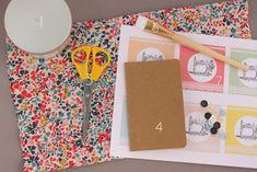 Pour commencer cette nouvelle semaine, voici de quoi faire vrombrir votre imprimante avec des petites étiquettes rétro sur le thème de la couture. Petites étiquettes qui pourront dépanner certains et certaines d'entre vous à l'approche de la fête des...