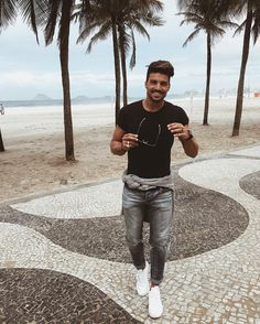 Regardez cette photo Instagram de @marianodivaio • 138.5 K mentions J'aime