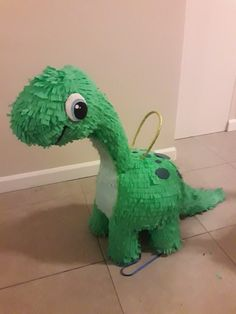 Dinosaur First Birthday, Birthday Pinata, Leo Birthday, Birthday Party Games, Jurassic Park Party, Dinosaur Party Decorations, Cute Dinosaur, Baby Party, Ideas Para