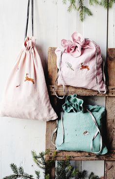 Handmade Embroidered Linen Drawstring Pouches | Lapetitealice on Etsy