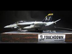 Touchdown // F/A - 18 F Super Hornet // Scale 1:32 Navy Aircraft, Military Aircraft, Plastic Model Kits, Plastic Models, Diorama Militar, F14 Tomcat, Uss Nimitz, Military Action Figures, Model Hobbies