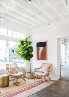 Heyday Los Angeles studio waiting room Lobby Interior, Home Interior, Modern Interior, Estilo California, California Cool, California Fashion, Style Californien, Waiting Room Design, Waiting Room Decor