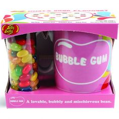 JELLY BELLY MUG WITH BEANS GIFT SET - BUBBLEGUM Fantastic gift set of colourful mug and tube of irresistible jelly beans A great present for self-confessed bean lovers of all ages A fashionable, glamorous, social bean Dishwasher and microwave safe! Jelly Belly, Cheap Gifts, Tk Maxx, Inspirational Gifts, Bubble Gum, Graduation Gifts, Teacher Gifts, Personalized Gifts, Bubbles