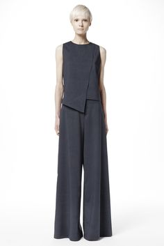 Ji Oh | Resort 2016 | 01 Grey pinstriped sleeveless top and wide trousers