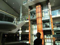 Dundrum Center, de l'intérieur avec ascenseur en verre